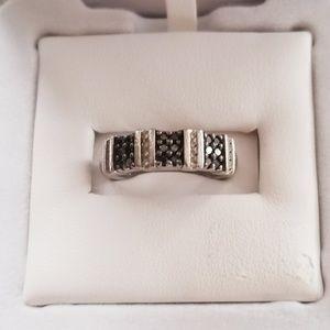 Black & white diamond silver ring